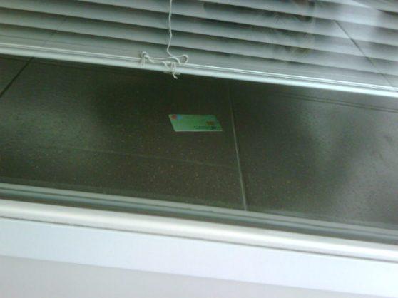 Bankkaart aan de verkeerde kant van de deur